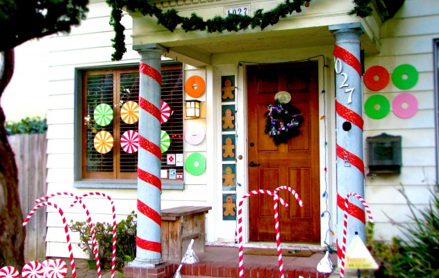 Decorating Your Front Porch For The Holidays Jonathan